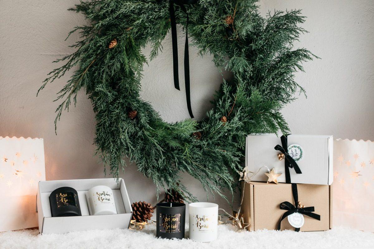 božićni poklon paket svijeća