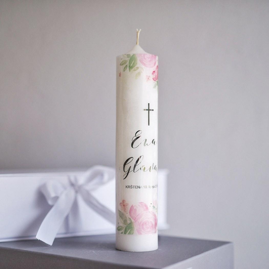 personalizirana krsna svijeća sa srebrnim slovima