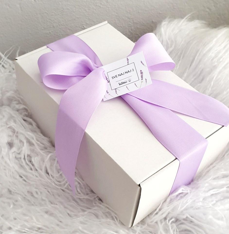 poklon paket svijeća